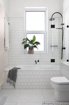 Awesome 40 Minimalist Modern Farmhouse Small Bathroom Decor Ideas https://roomaniac.com/40-minimalist-modern-farmhouse-small-bathroom-decor-ideas/