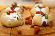 Receitas de batatas - Batatas ao murro com bacon, maionese de alho e cebolinha