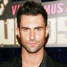 Adam Levine, Maroon 5, moves like Jagger