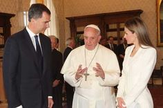 Felipe y Letizia visitan al Papa Francisco en su primer viaje oficial al extranjero como reyes - http://plazafinanciera.com/felipe-letizia-visita-francisco-vaticano-primer-viaje-extranjero-oficial/ | #FelipeVI, #Iglesia, #Letizia, #PapaFrancisco, #Rey, #Vaticano #Política