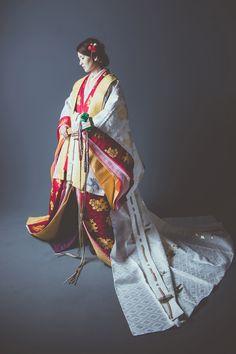 Japanese Geisha, Japanese Beauty, Japanese Kimono, Traditional Kimono, Traditional Dresses, Japanese Outfits, Japanese Fashion, Pretty Outfits, Beautiful Outfits