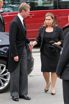 Funeral of Stephanie Lannoy's mother.