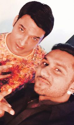 Kapil sets stage for brief telly farewell with Yo Yo Honey Singh - http://www.yoyohs.com/kapil-sets-stage-for-brief-telly-farewell-with-yo-yo-honey-singh/As Comedy Nights With Kapil approaches the end of its first season, the show has in store a special treat for its fans. Rapper Yo Yo Singh, invited as a guest on public demand, recently shot for one of the season's last episodes. Known for his quirky lyrics, Honey proved he was quite a...
