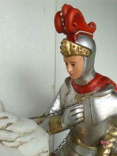 São Jorge - detalhe da peça de gesso de 30kg e 70cm de altura, confeccionada pelo Ateliê.