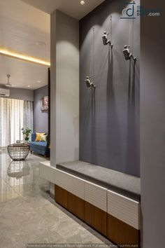 Interior design ideas from a Mumbai apartment that is Indian in design and modern in outlook. Designed by Studio Node, a Mumbai-based interior designer. Foyer Design, Entrance Design, House Design, Home Entrance Decor, House Entrance, Home Decor, Entrance Foyer, Best Interior Design, Interior Decorating