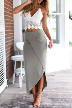 White Lace Cami Top + Gray Asymmetric Pencil Skirt Twinset (Perfect skirt would use a long sleeve shirt maybe a tad looser) White Lace Cami, Lace Crop Tops, White White, White Tops, Trend Fashion, Look Fashion, Womens Fashion, Fashion Spring, Fashion Brands