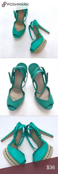 """Stradivarius High Heels Has a tiny dry glue on some part. Pls see pics. Other than that still in good condition. These shoes more pretty in person. EU size 37. Spain Brand. Green color. Adjustable straps. 5.5"""" High. 1"""" platform. No Trades. No low ball offers Stradivarius Shoes Platforms"""