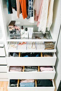 21 Ideas for bedroom closet organization wardrobe organisation organizing ideas Bedroom Closet Design, Bedroom Storage, Coat Closet Organization, Organization Ideas, Storage Ideas, Clothes Storage, Bedroom Organization, How To Organize Your Closet, Wardrobe Closet