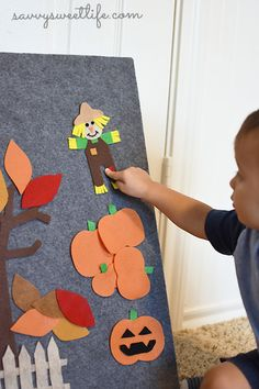 Fall Pumpkin Patch Felt Board   Savvy Sweet Life // a fun + educational autumn activity for toddlers and preschoolers that's so cute AND easy to make!
