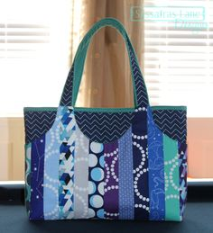 Sewology Sunday - Boxed Bottoms – Sassafras Lane Designs A close up on how to sew the bottom of a bag.