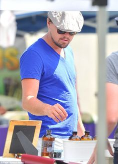 Leonardo DiCaprio shopping at a farmer's market in Beverly Hills. via MailOnline