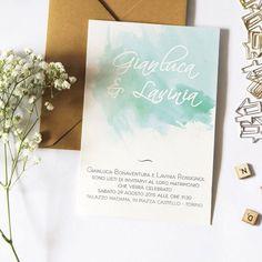 Il fascino intramontabile delle macchie di acquerello per invitare con stile  #inviti #graphicdesign #amore #partecipazioni #partecipazionipersonalizzate #invitimatrimonio #nozze #maritoemoglie #matrimonio #wedding #weddinginvitation #weddinginvitations #sposa #bride