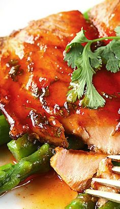 Sriracha Lime Salmon ~ Juicy, pan-seared salmon with a spicy and tangy sauce! An easy and healthy 30 minute meal!