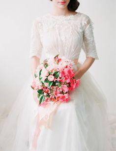 Spring Bouquets. Read more - http://www.hummingheartstrings.de/?p=11057 Photo- Corbin Gurkin