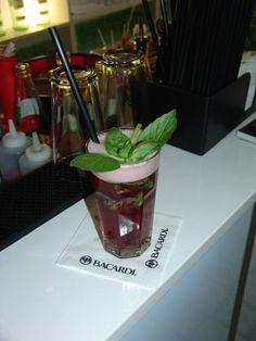Cocktail Workshop - Haben Sie es lieber gerührt oder geschüttelt? Verwöhnen Sie Ihre Gäste in Zukunft mit Ihren selbstgemachten leckeren Cocktails!