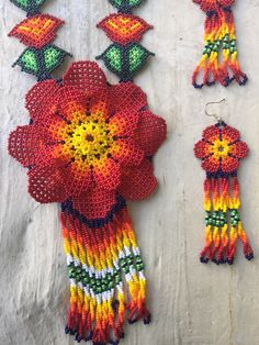 mexican huichol beaded flower necklace with от ArtesaniasBatyah