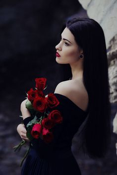 Gothic and Fantasy - Gothique et Fantasy Goth Beauty, Dark Beauty, Gothic Girls, Black Castle, Hot High Heels, Girl Photography Poses, Girls Image, Gothic Fashion, Lady In Red