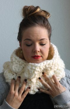 Super Duper Chunky Crochet Cowl - Free Pattern from Persia Lou