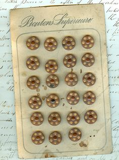 < ButtonShop.ca > antique button card