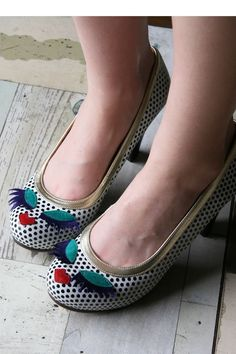 I will be making shoes with faces soon...best on patent leather that---reflects up!