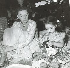 Mother & daughter: Judy Garland and Liza Minnelli