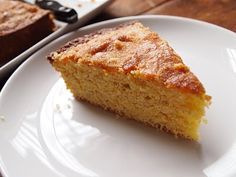 Orange Cornmeal Cake by lindenandrosemary: Made with olive oil, whole wheat flour, cornmeal and orange. #Cake #Cornmeal #lindenandrosemary