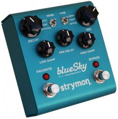 strymon Ola from 2014 in Effect Pedal for sale. This is offered by Resident Guitars, Germany. View the strymon Ola online now! Guitar Effects Pedals, Guitar Pedals, Banjo, Reverb Pedal, Digital Piano Keyboard, Used Guitars, Guitar Rig, Jazz Guitar, Music Guitar