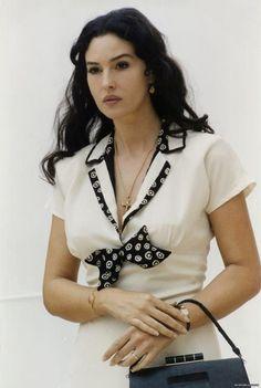 Gaga fashion 50: The most beautiful woman in the world - Monica Bel...