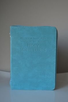 Bible Cover with zipper in Light Blue - K. GRANT PUBLISHING