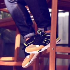 3/3 Skippy the Bush Kangaroo . . . #therealblacklist #walklikeus #runnergang #thexchng #kicks4eva #kicksdaily #teamnb #580 #m580JSF #ccap #sneakerfreaker #snkrfrkr #solecollector #soleinsider #kotd #lpu #newbalance #wdywt #womft #ootd #igsneakercommunity #sneakerporn #DopeKoto #klekttakeover #kicksonfire #thekickzstand #sneakergram by thomb_