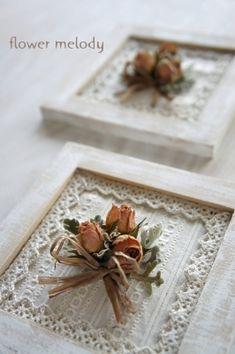 プチ・ギフトアレンジをご注文いただきました | ***flower melody*** Frame Crafts, Diy Frame, Wood Crafts, Diy And Crafts, Arts And Crafts, Deep Picture Frames, Picture On Wood, Shabby Chic Flowers, Shabby Chic Decor