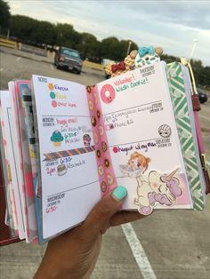 Weekly view #foxyfix #travelersnotebook #chicsparrow #plannergirl #organizedwithtiesha
