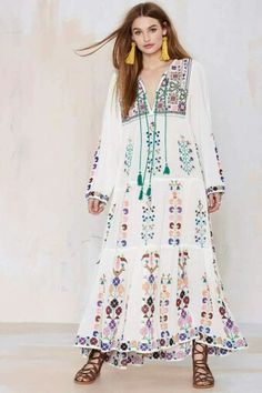 Blue Barcelona Embroidered Dress-looks so comfy & cute Hippie Chic, Hippie Style, Boho Chic, Gypsy Style, Bohemian Style, Hippie Hats, Modest Fashion, Boho Fashion, Fashion Site