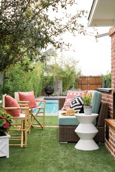 Backyard seating and outdoor entertaining ideas for spring >> http://www.hgtv.com/design/outdoor-design/outdoor-spaces/elevating-your-outdoor-living-room-pictures?soc=pinterest