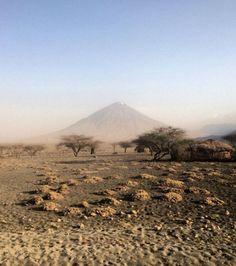 Ol Doinyo Lengaï, volcan actif et sacré des Masaïs, Tanzanie