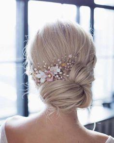 Wedding comb with flowers, pink glass beads, pearls - DIY Hochzeit Frisuren Braided Hairstyles, Wedding Hairstyles, 1930s Hairstyles, Pretty Hairstyles, Evening Hairstyles, Elegant Hairstyles, School Hairstyles, Formal Hairstyles, Asian Hairstyles