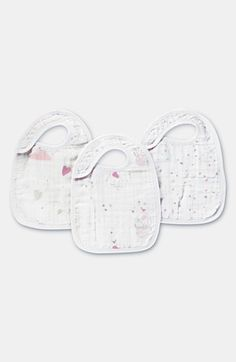 Free shipping and returns on aden + anais Snap Bibs (3-Pack) at Nordstrom.com. Cheerful sketches decorate an absorbent muslin bib with an adjustable snap-tab at the neck designed to grow along with your little darling.