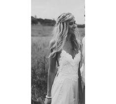 Avec plus de 2.5 millions de share sur Pinterest, ce modèle signé Grace Loves Lace est officiellement la robe de mariée la plus partagée du réseau social. De quoi susciter l'envie.