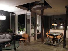 Casal renova sótão de predinho parisiense