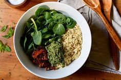 Quinoa with Sun-Dried Tomatoes and Pesto | BeachbodyBlog.com