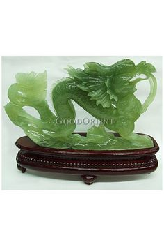 Jade Dragon- Jade jewelry is handed down among generations and it changes colors as it is worn against the skin. Jade Dragon, Dragon Art, Dragons, Le Jade, Chinese Astrology, Year Of The Dragon, Jade Jewelry, Jade Stone, Sculpture