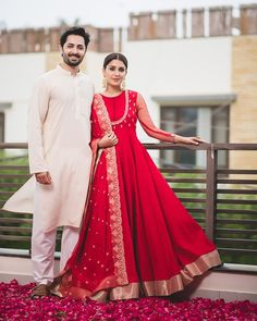 Super ideas for dress wedding red fashion Pakistani Bridal Dresses, Pakistani Dress Design, Indian Wedding Outfits, Indian Outfits, Dress Wedding, Indian Engagement Outfit, Kerala Engagement Dress, Indian Reception Outfit, Engagement Dress For Bride