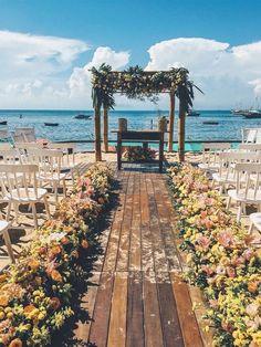 Beach Wedding Ideas - Tips For Your Destination Wedding - Vera's Wedding Help Romantic Wedding Receptions, Beach Wedding Reception, Beach Ceremony, Beach Wedding Decorations, Romantic Weddings, Unique Weddings, Wedding Ceremony, Destination Wedding, Wedding Planning