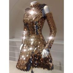 """quaintrelle-style: """"Scale Mail dress by Gareth Pugh """" Makes me think Danerys Targaryen. Gareth Pugh, Cool Outfits, Dress Outfits, Fashion Outfits, Pretty Dresses, Beautiful Dresses, Gorgeous Dress, Beautiful Models, Scale Mail"""