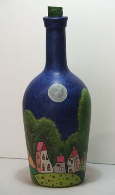 Botella pintada a mano Glass Bottle Crafts, Wine Bottle Art, Painted Wine Bottles, Bottles And Jars, Glass Bottles, Decoupage Glass, Stationery Craft, Altered Bottles, Bottle Painting