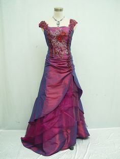 Cherlone Satin gown looks like it stepped out of a Downton wardrobe and £22 new on ebay!
