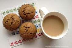 Tapenada: Muffinki kawowe nadziewane chałwą