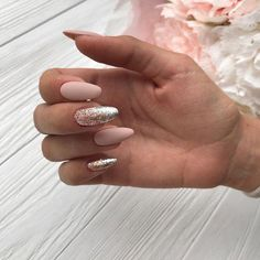 The advantage of the gel is that it allows you to enjoy your French manicure for a long time. There are four different ways to make a French manicure on gel nails. The choice depends on the experience of the nail stylist… Continue Reading → Glitter Manicure, Nude Nails, White Nails, Cute Acrylic Nails, Acrylic Nail Designs, Gorgeous Nails, Pretty Nails, Hair And Nails, My Nails