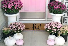 It's a beautiful morning! In honor of the movie Mean Girls, I'm loving this porch with its pink twist! Beautiful design by SimpleCozyCharm. Fall Home Decor, Autumn Home, Holiday Decor, Seasonal Decor, Fall Decorations, Autumn Fall, Small Porch Decorating, Pink Pumpkins, Dollar Store Halloween