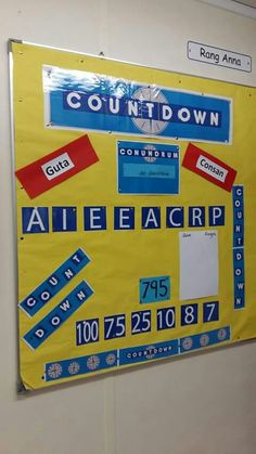 Countdown as gaeilge Class Displays, School Displays, Classroom Displays, Classroom Organization, Classroom Management, Year 1 Classroom, Classroom Ideas, Class Door, Early Finishers Activities